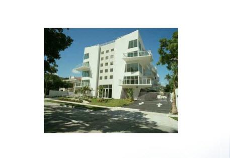 Vente appartement 2 pieces de 69 m2 33101 miami 764 for Cash piscine venelles